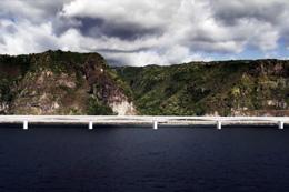 Viaduc en mer de la Nouvelle Route du Littoral